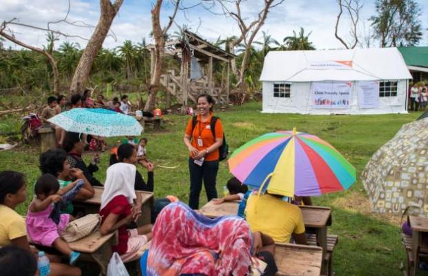 Philippines-typhoon-child-protection-D310-0757